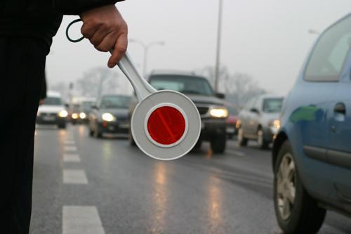 Kontrola drogowa - uprawnienia i obowiązki kontrolującego i kontrolowanego