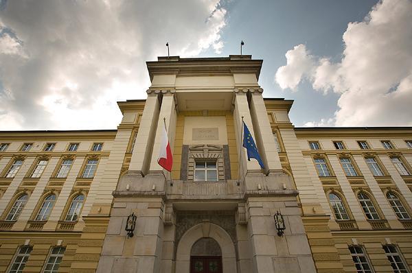 """Szef polskiego rządu zdecyduje, którzy wiceministrowie odejdą. Rząd planuje zmienić RM w """"bardziej ekspercką"""""""