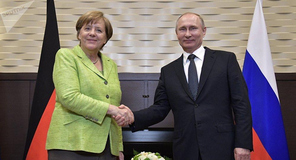 Kreml informuje: spotkanie Putin-Merkel odbędzie się 18 maja